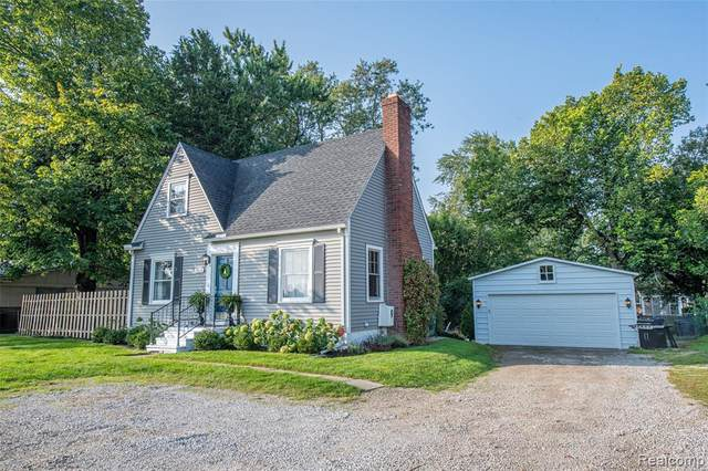 2653 Voorheis Road, Waterford Twp, MI 48328 (#2200078111) :: Duneske Real Estate Advisors