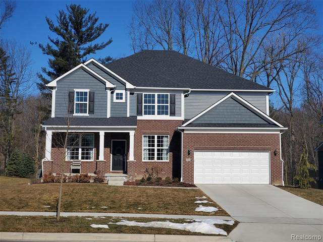 698 Arlington Drive, Saline, MI 48176 (MLS #2200078213) :: The Toth Team