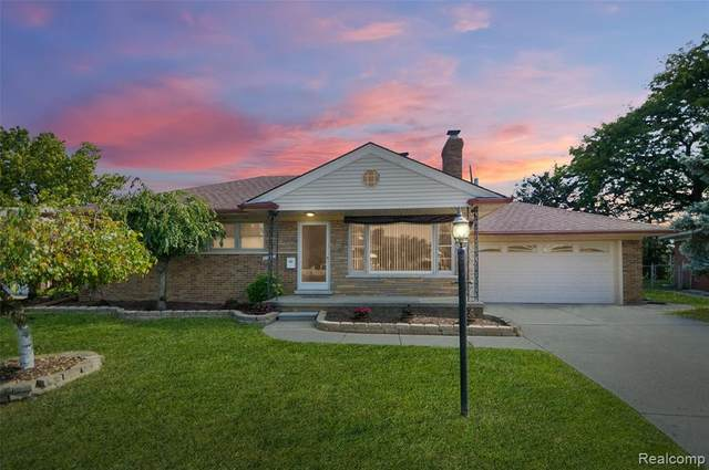25810 Madison Court, Saint Clair Shores, MI 48081 (#2200078390) :: GK Real Estate Team