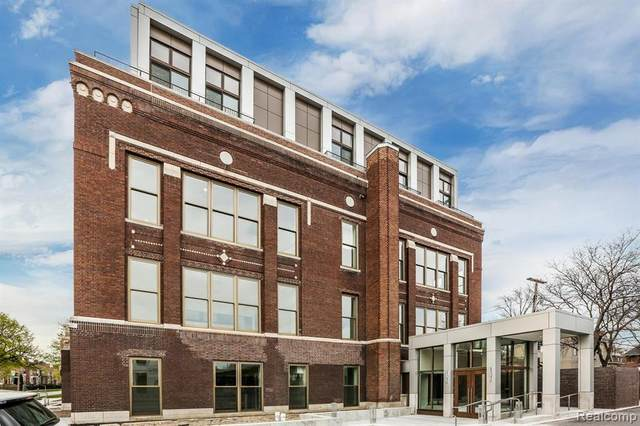 1454 Townsend #207, Detroit, MI 48214 (#2200078417) :: The Mulvihill Group
