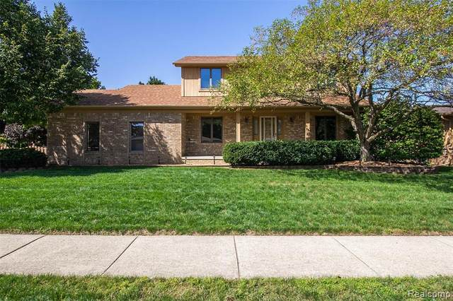 43221 Hillcrest Drive, Sterling Heights, MI 48313 (#2200078677) :: GK Real Estate Team