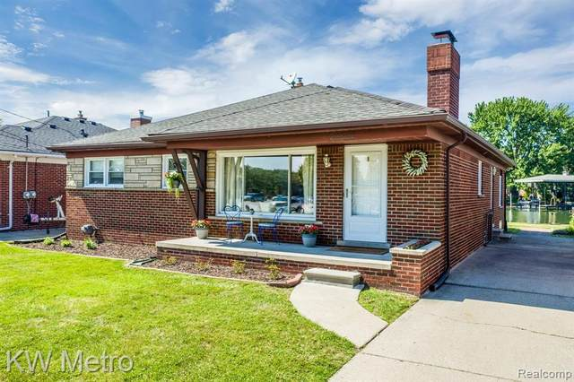 22525 E 11 MILE Road, Saint Clair Shores, MI 48081 (#2200078917) :: GK Real Estate Team