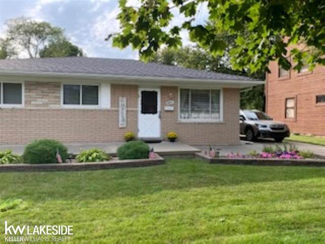 29807 Gloria St, Saint Clair Shores, MI 48082 (#58050024529) :: Alan Brown Group