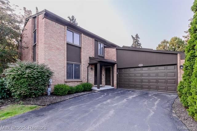 4016 Moselle Street, West Bloomfield Twp, MI 48323 (#2200078974) :: GK Real Estate Team