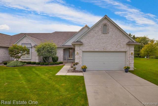 40351 Riverbend Drive, Sterling Heights, MI 48310 (#2200079094) :: GK Real Estate Team