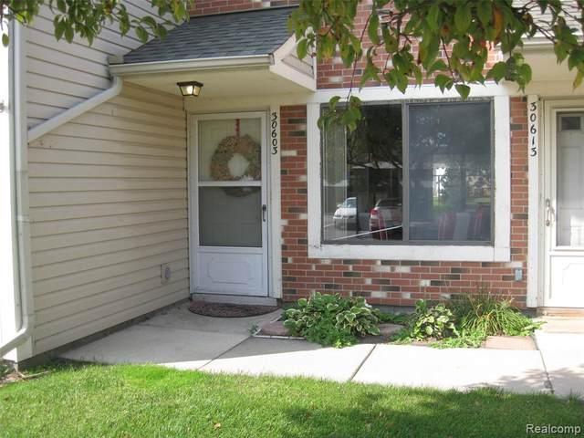 30603 Hidden Pines Lane, Roseville, MI 48066 (#2200079423) :: Alan Brown Group