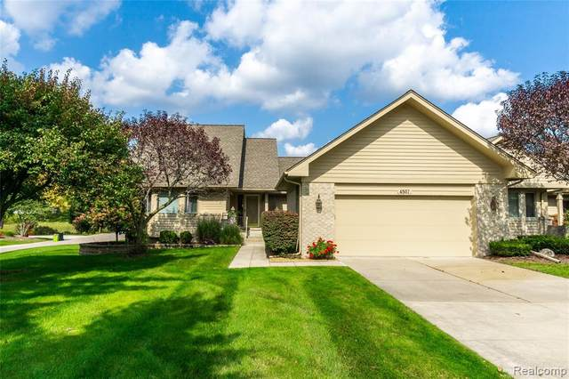 4507 Ravenwood Drive, Grand Blanc Twp, MI 48439 (MLS #2200079543) :: The John Wentworth Group