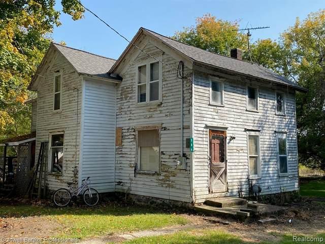 304 E Willow Street, Perry, MI 48872 (#2200079548) :: BestMichiganHouses.com