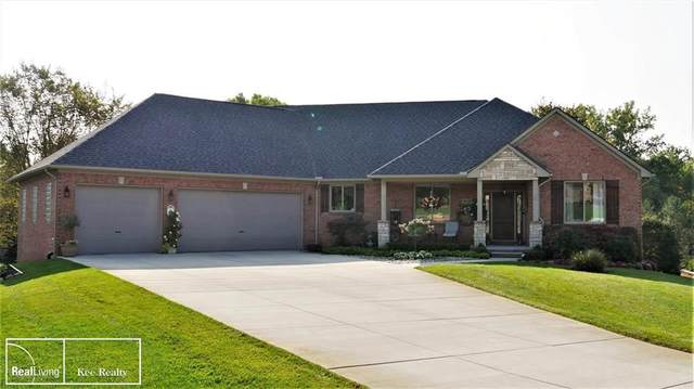 68476 Knollside Ct., Washington Twp, MI 48095 (#58050024767) :: RE/MAX Nexus