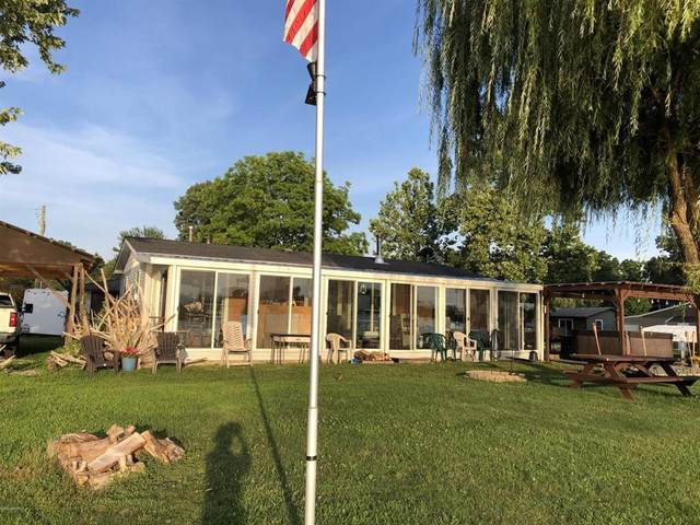 281 Paradise Island Dr, Coldwater Twp, MI 49036 (#62020040413) :: The Mulvihill Group