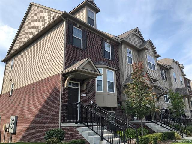 2653 Helmsdale Circle, Rochester Hills, MI 48307 (#2200080431) :: Robert E Smith Realty