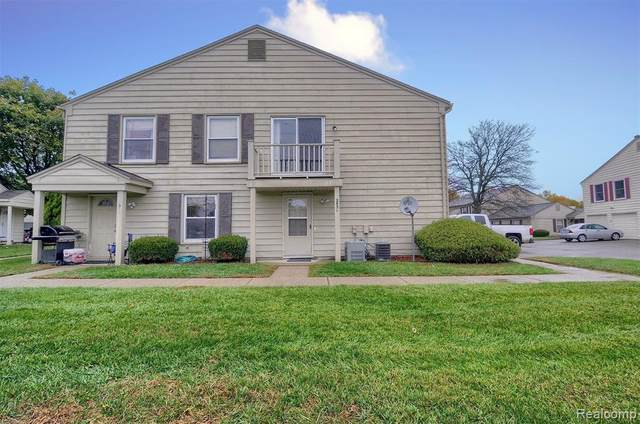 2931 Rockford Court, Orion Twp, MI 48360 (MLS #2200080790) :: The John Wentworth Group