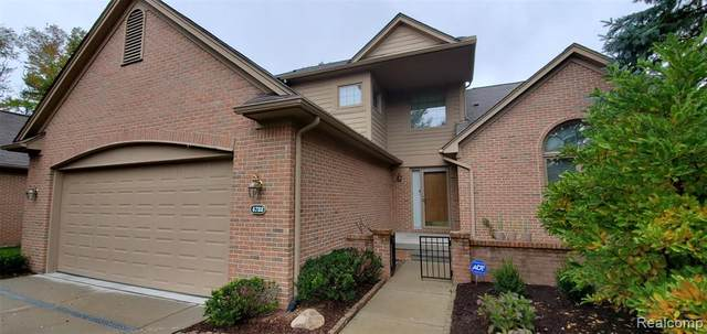 4722 Seagull Way, West Bloomfield Twp, MI 48323 (#2200081078) :: The Mulvihill Group