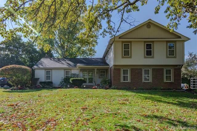 3081 Brewster Court, West Bloomfield Twp, MI 48322 (#2200081282) :: BestMichiganHouses.com