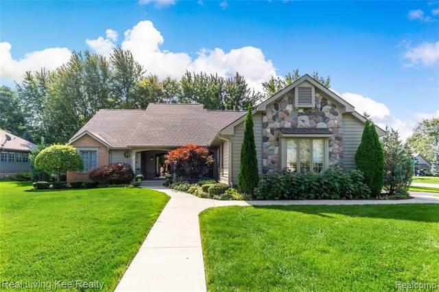 936 Pine Trail Drive, Rochester Hills, MI 48307 (#2200081848) :: Novak & Associates
