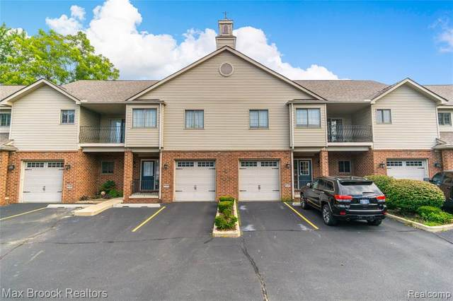 32 Highland Avenue #9, Clawson, MI 48017 (MLS #2200082502) :: The John Wentworth Group
