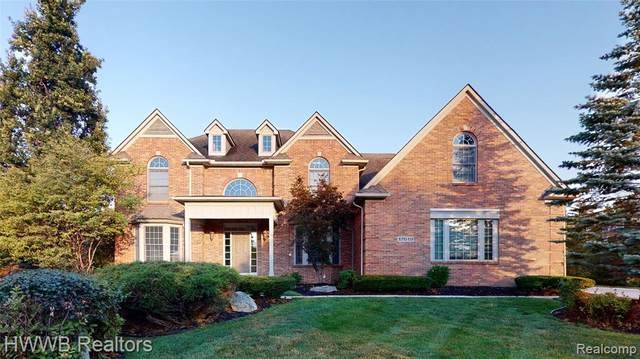 17619 Laurel Creek Court, Northville Twp, MI 48168 (#2200082586) :: BestMichiganHouses.com