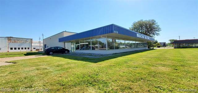 4416 N Grand River Avenue, Lansing, MI 48906 (#2200082879) :: Robert E Smith Realty