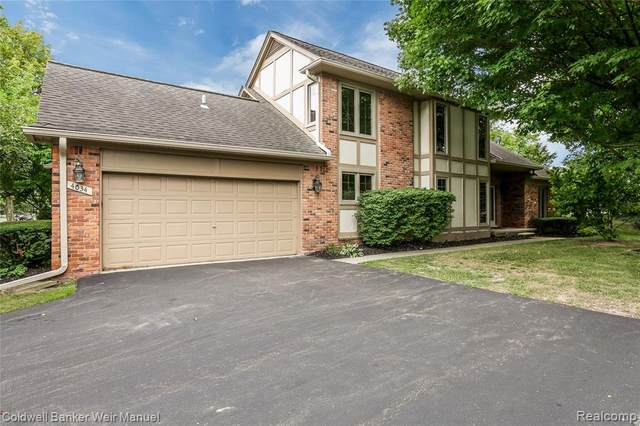 4034 Willoway Place Drive, Bloomfield Twp, MI 48302 (MLS #2200082911) :: The John Wentworth Group