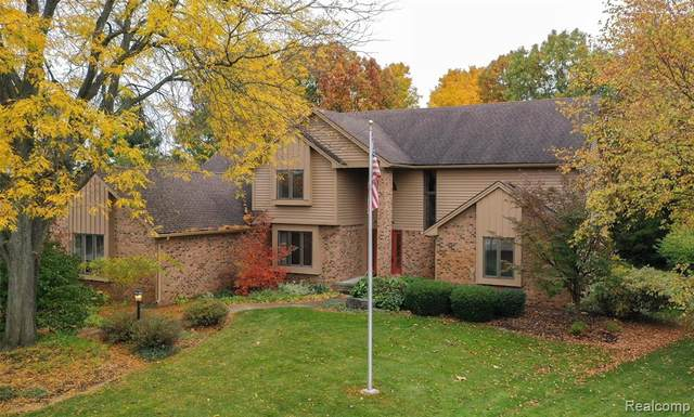 8265 Caribou Trail, Independence Twp, MI 48348 (#2200082913) :: BestMichiganHouses.com