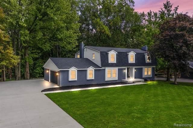 4605 Sunningdale Drive, Bloomfield Twp, MI 48302 (#2200082961) :: BestMichiganHouses.com