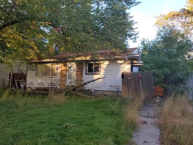 2727 Plainfield Ave, Flint, MI 48506 (#5050025884) :: BestMichiganHouses.com
