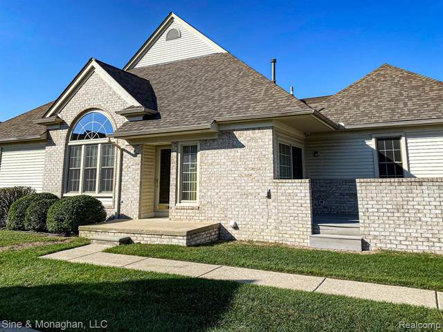 13484 Wyndemere Circle, Sterling Heights, MI 48313 (#2200083576) :: Novak & Associates