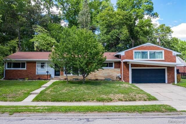 944 James K Boulevard, Sylvan Lake, MI 48341 (#2200083641) :: BestMichiganHouses.com