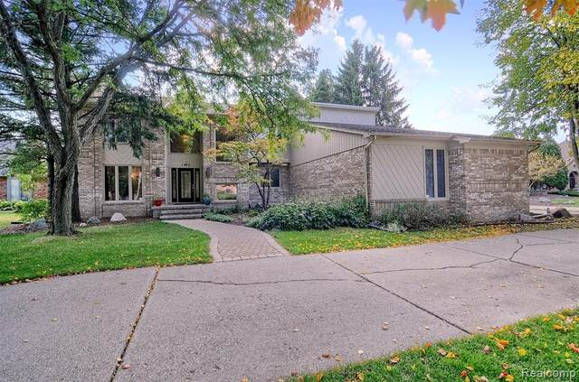 1923 Independence Court, Rochester Hills, MI 48306 (#2200083781) :: BestMichiganHouses.com