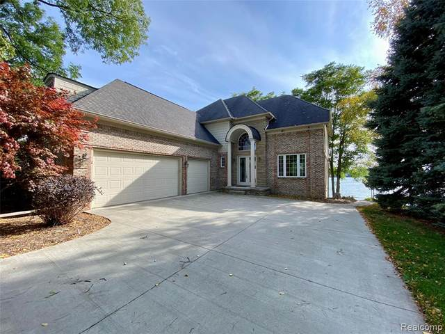 1375 Heights Road, Orion Twp, MI 48362 (#2200083857) :: BestMichiganHouses.com