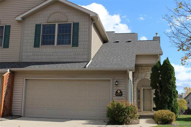 227 Stratford Lane Lane, Orion Twp, MI 48360 (MLS #2200084377) :: The John Wentworth Group