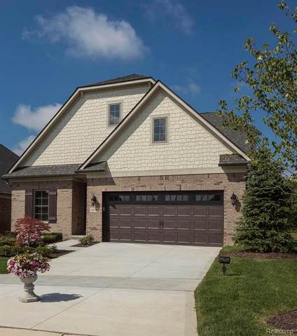 3977 Vendome Drive, Auburn Hills, MI 48326 (MLS #2200084424) :: The John Wentworth Group