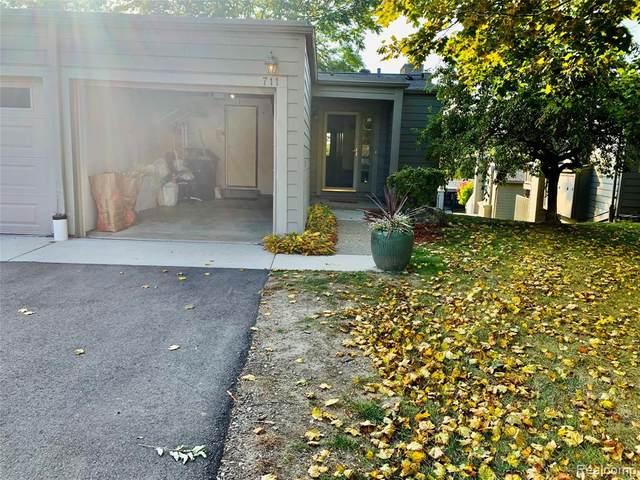711 Skynob Drive, Ann Arbor, MI 48105 (MLS #2200084464) :: The John Wentworth Group