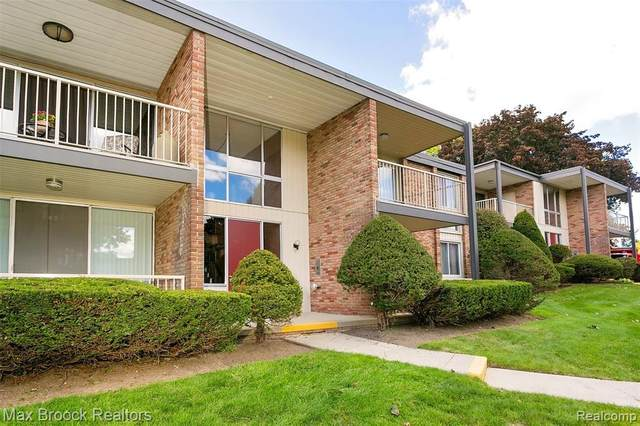 4047 W Maple Rd Apt B201 #201, Bloomfield Twp, MI 48301 (#2200084503) :: Alan Brown Group
