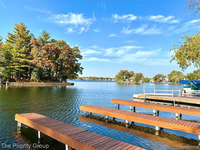 461 Heights Road, Orion Twp, MI 48362 (#2200085219) :: BestMichiganHouses.com