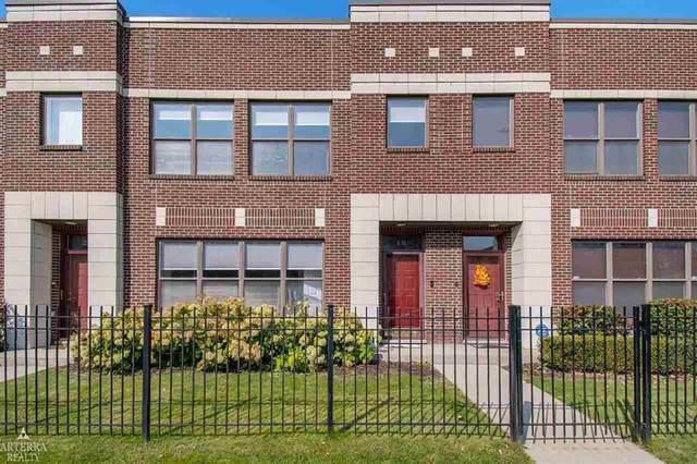 18 Pallister, Detroit, MI 48202 (#58050026474) :: Novak & Associates