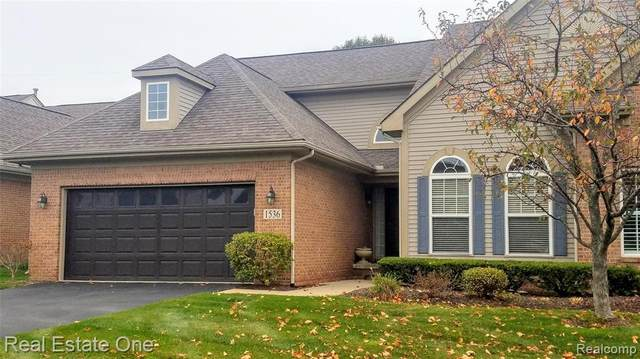 1536 Treyborne Circle, Commerce Twp, MI 48390 (#2200085652) :: NextHome Showcase