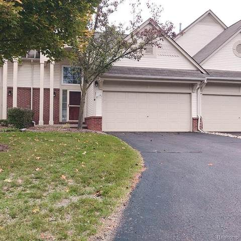 38174 Saratoga Circle, Farmington Hills, MI 48331 (#2200086120) :: The Mulvihill Group