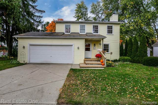 230 Franklin Street, Milford Vlg, MI 48381 (MLS #2200086279) :: The John Wentworth Group