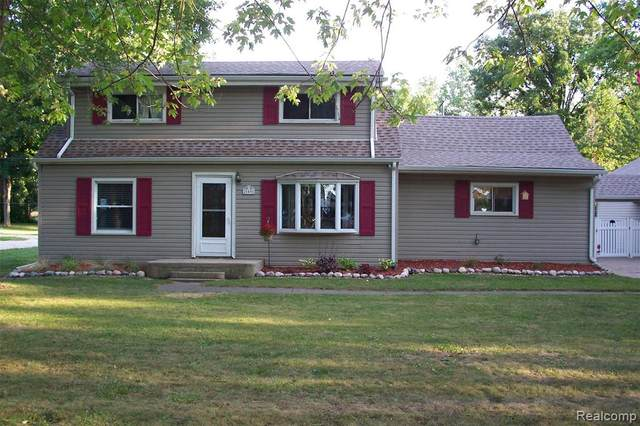 20401 Newman Drive, Brownstown Twp, MI 48183 (#2200086341) :: BestMichiganHouses.com