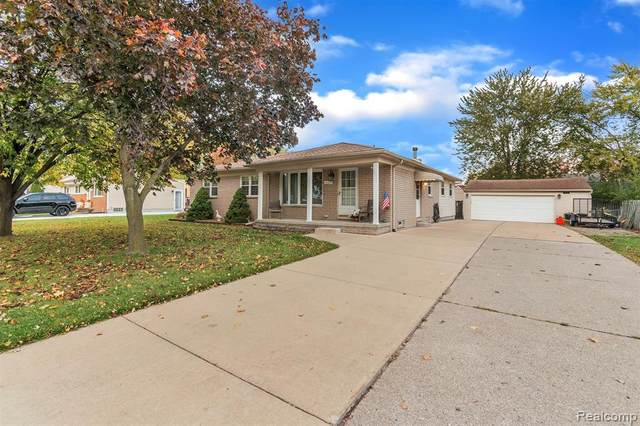 15430 Green Lane Avenue, Livonia, MI 48154 (MLS #2200086471) :: The John Wentworth Group