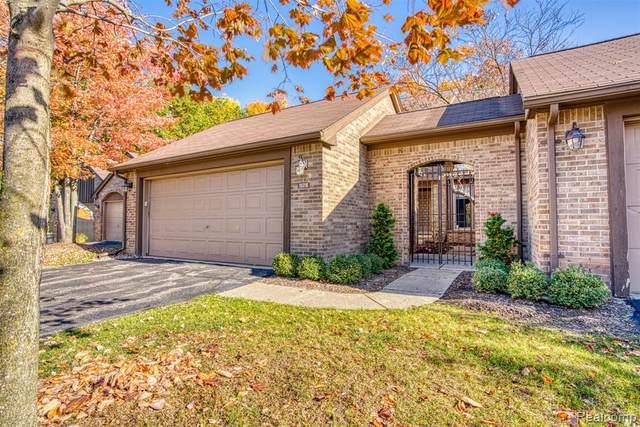 30216 Oakview Way, Bingham Farms Vlg, MI 48025 (#2200086568) :: Keller Williams West Bloomfield