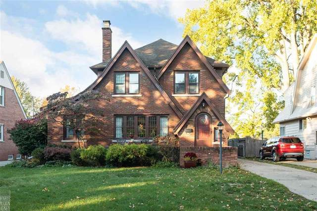 967 Lincoln Rd, Grosse Pointe, MI 48230 (MLS #58050026834) :: The John Wentworth Group