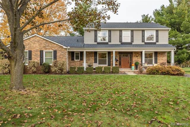 21838 Parklane Court, Farmington Hills, MI 48335 (#2200086666) :: The BK Agency