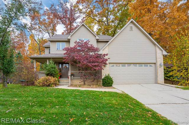 1288 Viefield Drive, Orion Twp, MI 48362 (MLS #2200086692) :: The John Wentworth Group