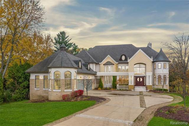 3425 W Long Lake Road, West Bloomfield Twp, MI 48323 (MLS #2200086734) :: The John Wentworth Group