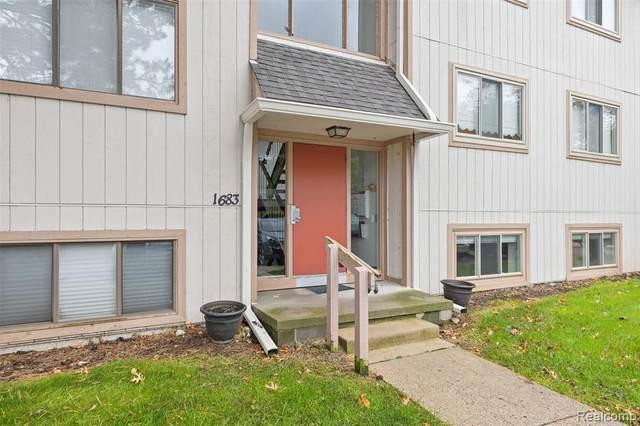 1683 Riverside Dr Apt 2, Rochester Hills, MI 48309 (MLS #2200086908) :: The John Wentworth Group