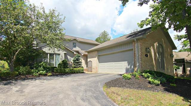 2238 Cameo Lake Court #6, West Bloomfield Twp, MI 48302 (MLS #2200086987) :: The John Wentworth Group