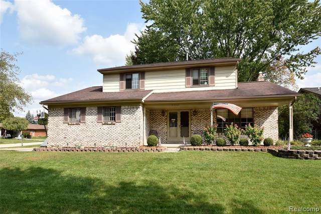 5552 Mandale Drive, Troy, MI 48085 (#2200087072) :: The Merrie Johnson Team