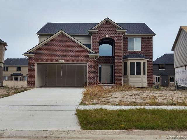 36347 English Court, Sterling Heights, MI 48310 (MLS #2200087158) :: The Toth Team